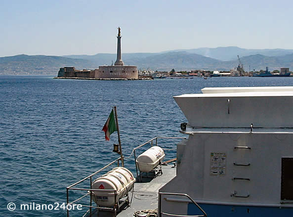 Hafen Messina